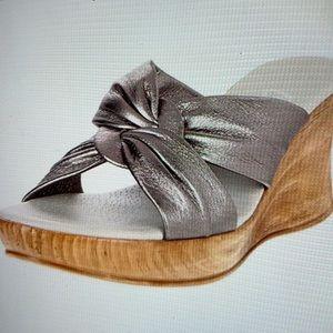 Onex Women's Puffy Wedge Sandals